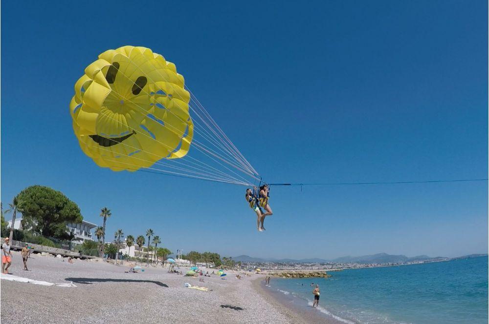[Image: vol-en-parachute.jpg]