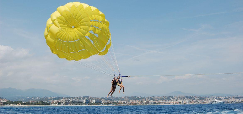 Parachute ascencionnel à Villeneuve-Loubet